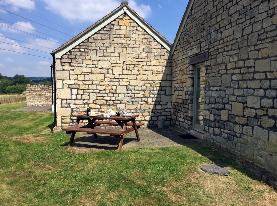 Holiday Cottage Bath on New Leaf Farm - The Cow Byre6