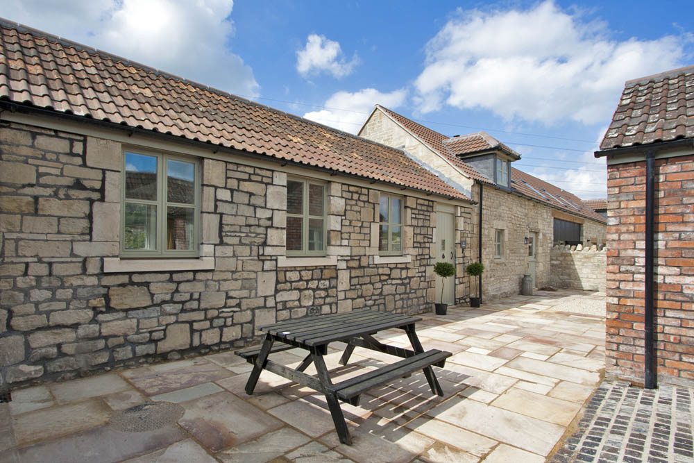 Picturesque holiday cottage just outside Bath on New Leaf Farm sleeps 5 with 3 bedrooms - 4 star self catering holiday accommodation, Bath, Avon, UK