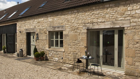 Holiday cottage, sleeps 10, Bath, Avon